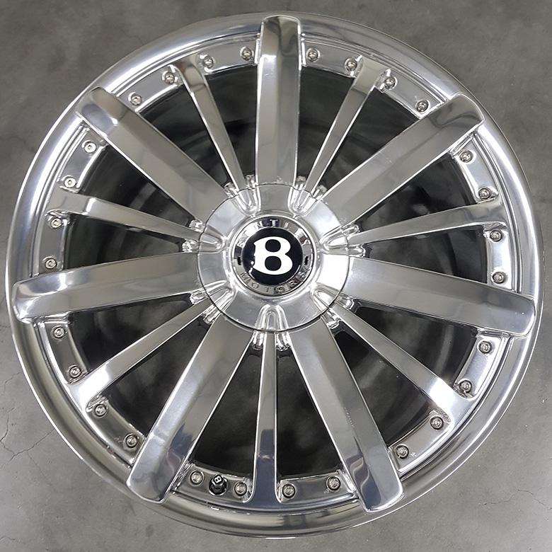 Polierte Bentley-Felge