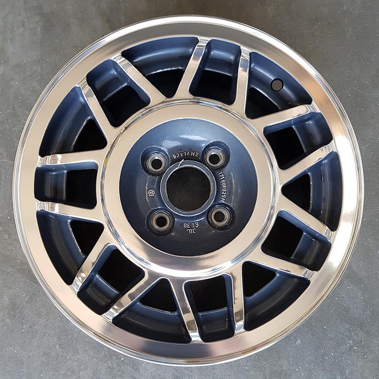 VW-Felge aufbereitet